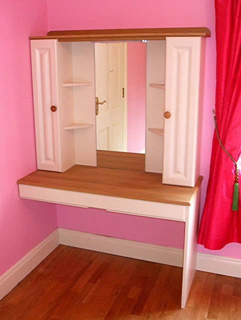 Vanity Table in Girls Bedroom